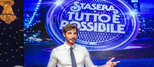 Stefano De Martino inarrestabile: Stasera tutto è possibile si allunga per i buoni ascolti.