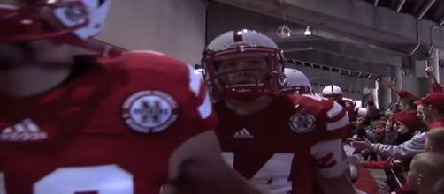 The Huskers offense is having issues and Rob Zatechka thinks he knows why. [Image via Nebraska Huskers/YouTube]