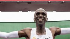 Queniano se supera e finaliza corrida de maratona abaixo de duas horas de prova
