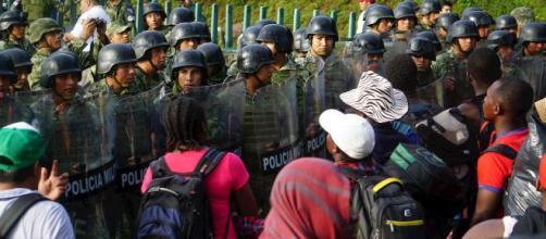 Detienen a nueva caravana migrante que se dirigía hacia el norte de México. - telemundo.com