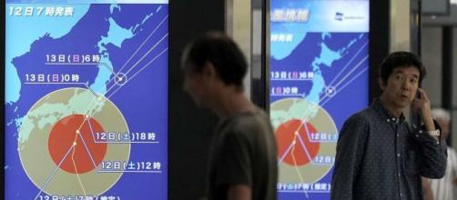 Giappone, il super tifone Hagibis si avvicina a Tokyo: un morto ... - mediaset.it