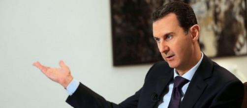Assad invia le truppe in supporto dei curdi con l'ok di Putin, Erdogan: 'Andiamo avanti'