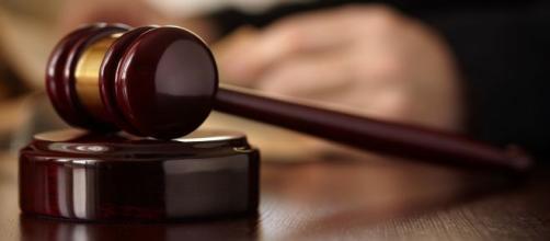 Avvocati: senza rilascio di valida procura devono pagare le spese processuali