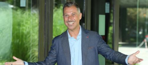 Deal With, il nuovo programma di Gabriele Corsi da stasera lunedì 14 ottobre su Nove