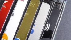 Scelta carta di credito, incide il pagamento: avere l'Iban, saldare a rate o ricaricare