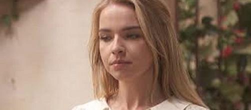 Il Segreto, spoiler 15-16 ottobre: Antolina continua ad affermare di essere stata ingannata da Alvaro.