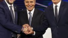 Trieste, malore per Salvini, ironia social: 'Conseguenza della sfida tv con Renzi'