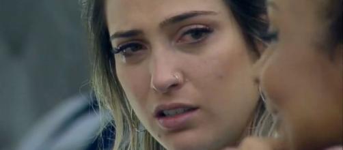 'A Fazenda 11': Tati Dias passa a noite chorando por perder prova do Fazendeiro da Semana. (Reprodução/Record TV)