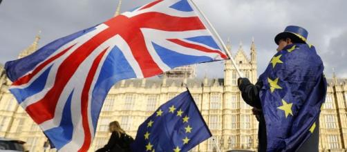 Brexit, sabato il Parlamento britannico voterà sull'accordo Johnson.