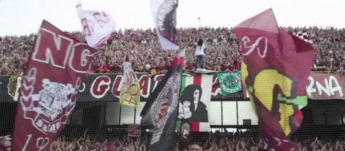 La Curva dei tifosi della Salernitana