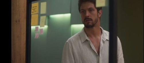 Marcos (Rômulo Estrela) em 'Bom Sucesso'. (Reprodução/TV Globo)