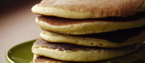 Pancake senza uova, ricetta pancake senza uova e farina - hermandadagustina.com