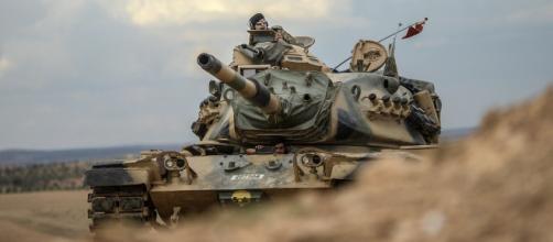 Guerra Turchia-Siria, l'esercito di Assad raggiunge Kobane