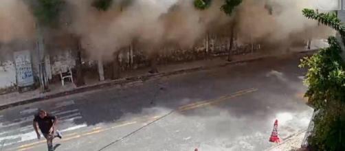 Imagem mostra o momento em que o Edifício Andrea desmorona em Fortaleza. (Reprodução/YouTube)