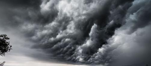 Forte ondata di maltempo in arrivo sulla liguria: attese piogge e temporali.