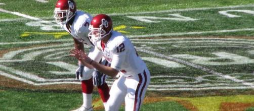 Landry Jones played for Oklahoma from 2009-12. [Image Source: Flickr | Enrique A. Sanabria]