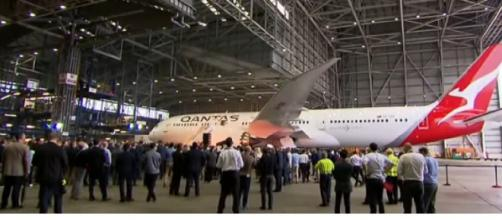 Qantas trialling non-stop flights to New York and London. [Image source/Nine News Australia YouTube video]