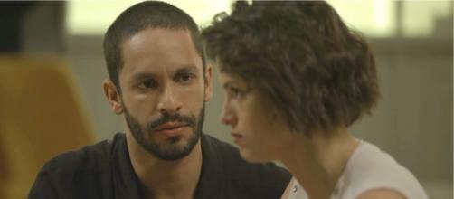 Josiane tenta matar o namorado. (Reprodução/Rede Globo)