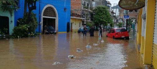 La depresión tropical Narda dejó daños estructurales en viviendas al sur de México. - vallartaindependiente.com