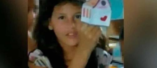 Menina de 9 anos foi encontrada morta amarrada em uma árvore. (Arquivo Blasting News)