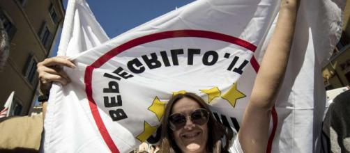 Rosatellum bis, Movimento 5 stelle in piazza contro la legge ... - mediaset.it