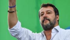 Salvini attacca Renzi: 'Un pallone gonfiato, un ladro di democrazia'