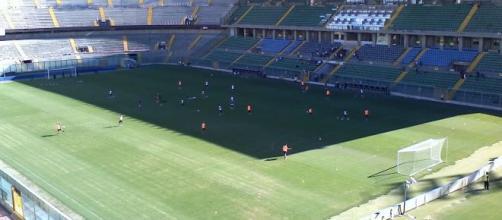 File:Stadio Renzo Barbera interno giorno.jpg - Wikipedia - wikipedia.org