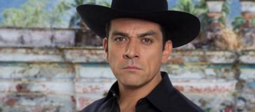 Jorge Salinas interpreta Rogério (Divulgação/Televisa)