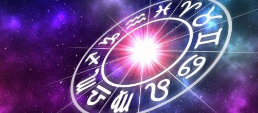 L'oroscopo di novembre, 2^ sestina: Giove in sestile a Pesci, periodo roseo per Acquario
