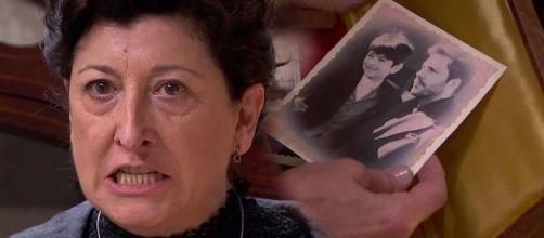 Una Vita, trame iberiche: Ursula perde le staffe dopo aver visto una fotografia di Telmo