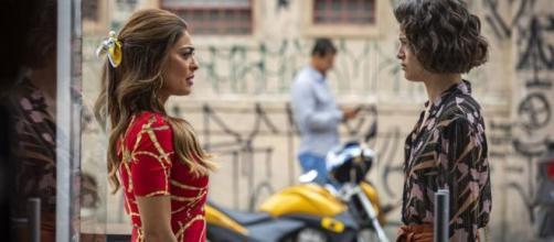 Após ser denunciada por Téo (Rainer Cadete), Josiane (Aghata Moreira) será presa. (Reprodução/Rede Globo) (Reprodução/TV Globo)