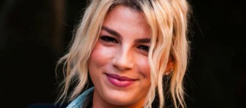 Emma Marrone: 'Dalla malattia mi sono salvata da sola, sto bene ma non posso fare tour'.
