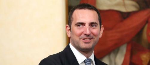 Il Ministro M5S Vincenzo Spadafora critica Conte e Raggi