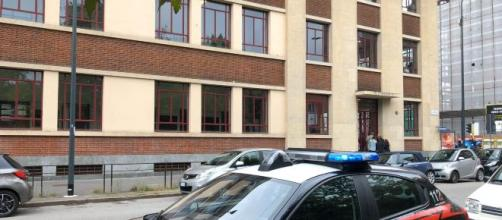 Milano: morto il bimbo caduto dalle scale della scuola