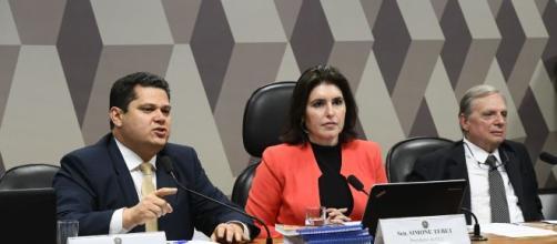 Alcolumbre anunciou aprovação da Previdência em segundo turno. (Marcos Oliveira/Agência Senado)