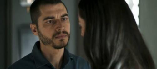 Camilo não perdoa, e xinga Kim. (Reprodução/Rede Globo)