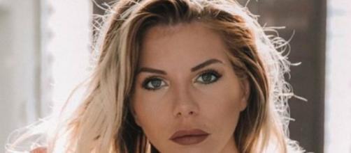 Jessica Thivenin « choquée » par un message souhaitant la mort de ... - voici.fr