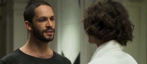 Téo toma conhecimento que Jô é uma assassina. (Reprodução/TV Globo)