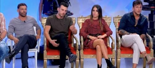 Uomini e Donne, Sperti su Veronica: 'Sono Giulio e Alessandro a corteggiare lei'