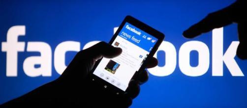 Facebook testa la tab 'news', il debutto nel 2020