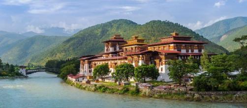 Himalayan Mountains Tour in Bhutan | Thimphu | andBeyond - andbeyond.com