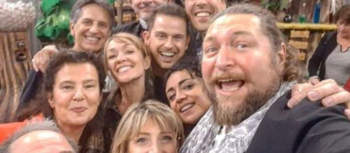 Melevisione, Lorenzo Branchetti manda in tilt i fan con una foto-reunion: 'Non ho parole'