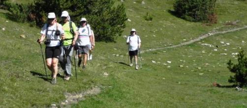 Los beneficios del senderismo, una actividad deportiva de la era moderna. - noucamping.com