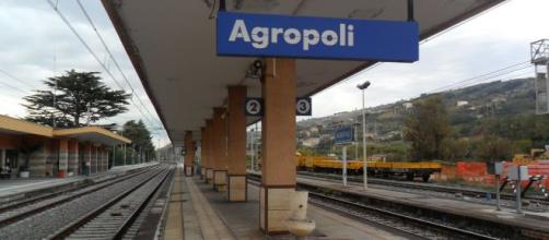 Agropoli, a quindici anni si butta sotto un treno: 3 mesi fa il suo fidanzato si sparò