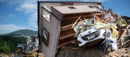 Casas y autos destruidos en Japón por lluvias y tifones. - andina.pe