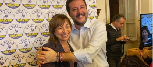 Donatella Tesei e Matteo Salvini festeggiano la vittoria alle elezioni regionali in Umbria