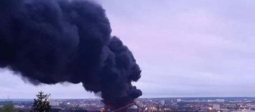 Panache de fumée suite à l'incendie de l'usine Lubrizol