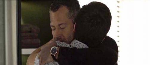 Agno e Leandro selarão beijo em 'A Dona do Pedaço'. (Reprodução/TV Globo)