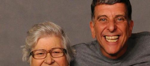 Hilda Rebello, mãe de Jorge Fernando, não sabe da morte. (Reprodução/TV Globo)