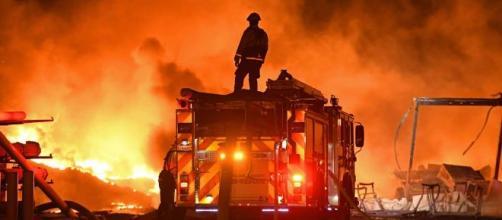 Los incendios en California obligaron a evacuar a muchas familias. - infobae.com